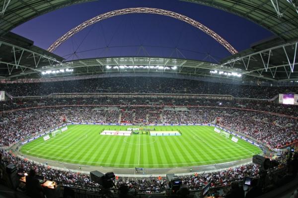 utilarea stadioanelor de fotbal cu gazon sintetic